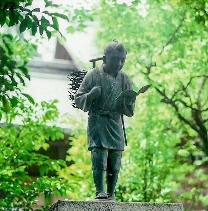 Юный Ниномия Сонтоку в храме Хотоку Ниномия в г. Одавара преф. Канагава (фотография предоставлена музеем Хотоку)