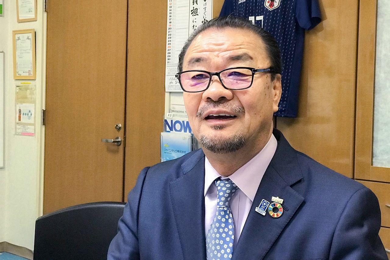 Фурусава Эйити, президент «Кёэй Индастри»