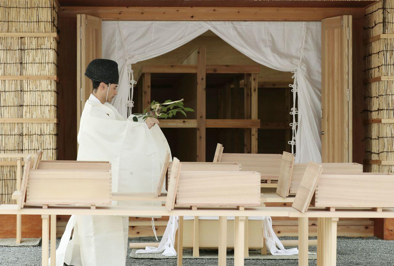 Синкоку кёно-но ги, церемония приёма риса нового урожая в императорском дворце, 15 октября 2019 г. (Jiji Press)