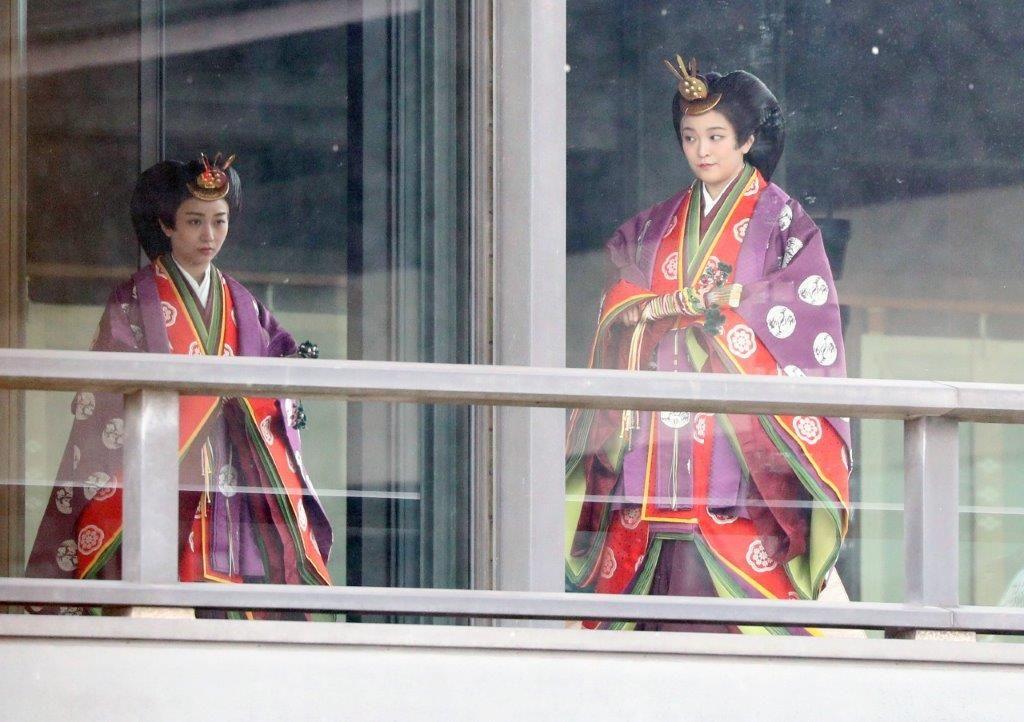 Принцессы Мако и Каково время церемонии объявления императора о вступлении на престол 22 октября 2019 г. (Jiji Press)