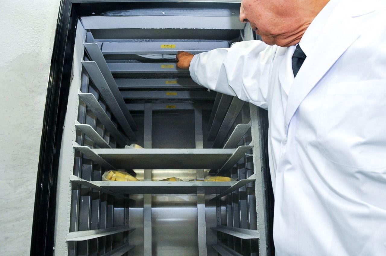 Система CAS, установленная в потолке морозильной камеры